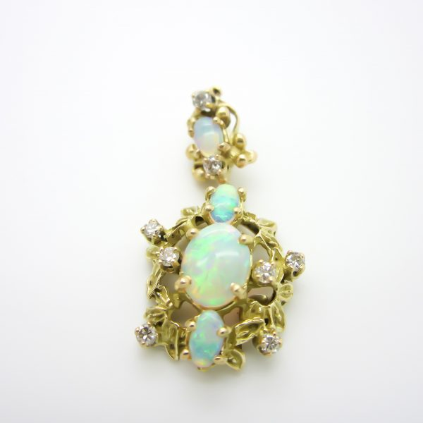 Yellow Gold Pendant with Opal and Diamonds
