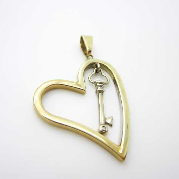 10k heart and key charm