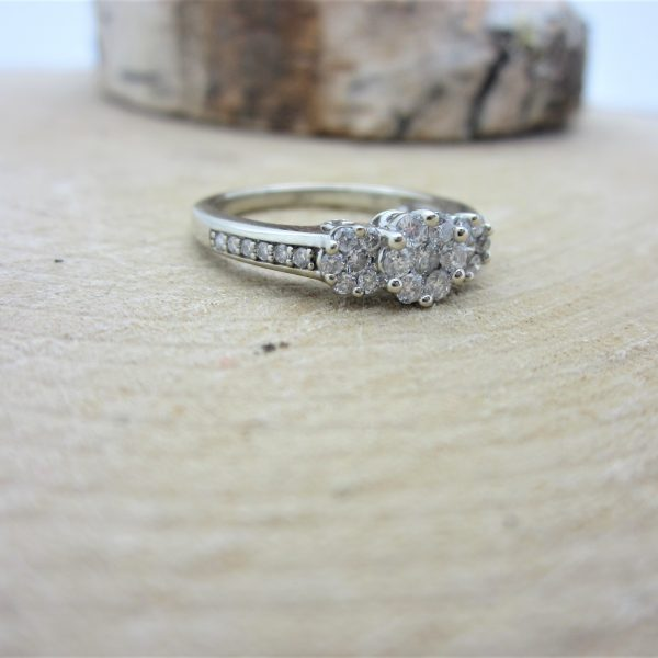 10k Diamond Cluster Style Ring