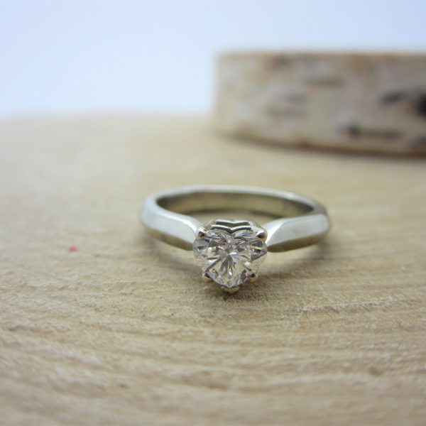 14K Heart Shape Brilliant Diamond Ring