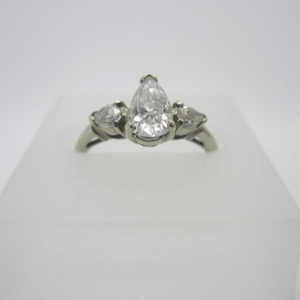 18K White Gold Pear-Shape Diamond Engagement Ring